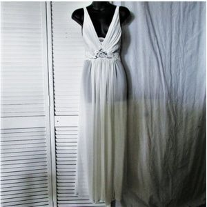 Neiman Marcus Jonquil ivory night gown